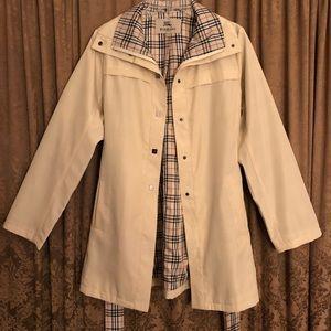 Vintage woman's Burberry nova check lining coat